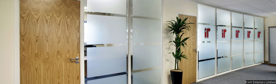 Komfire 75 Office Partitioning - 75mm square edge trim system